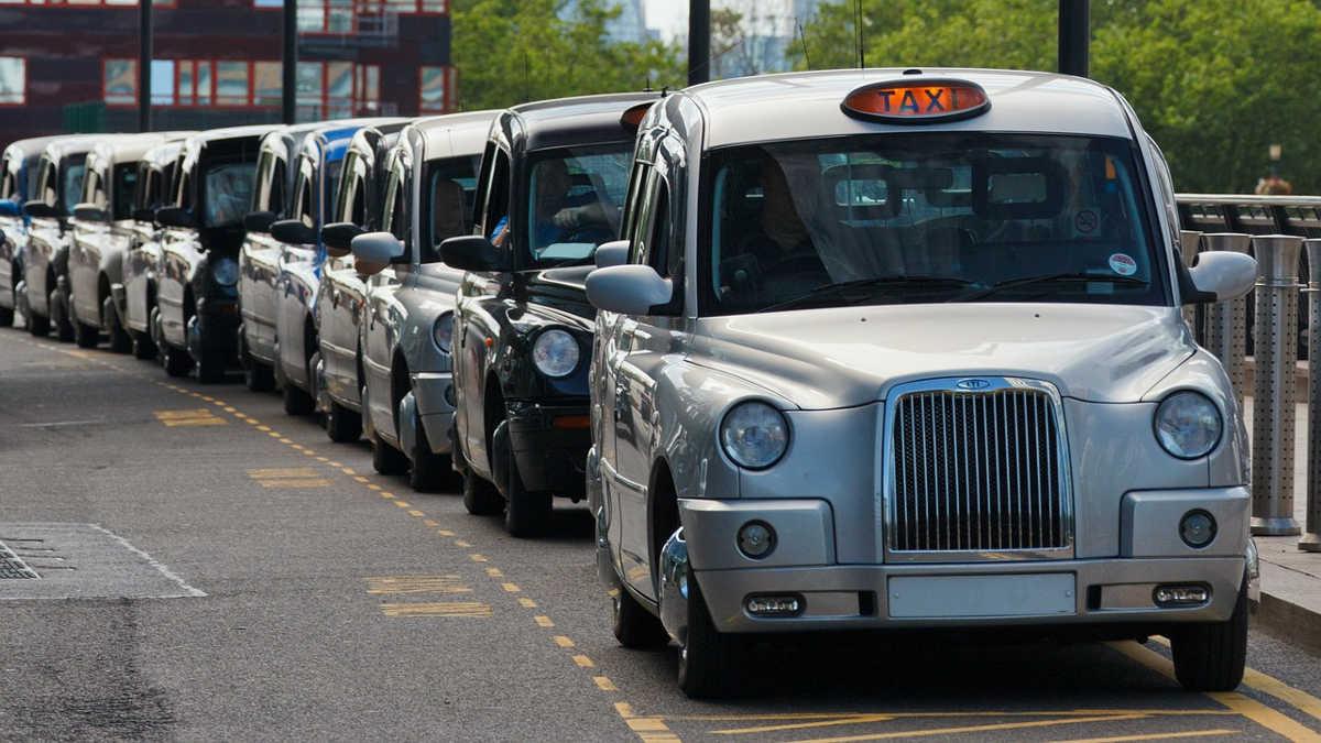 https://pixabay.com/en/britain-cab-car-city-classic-19228/