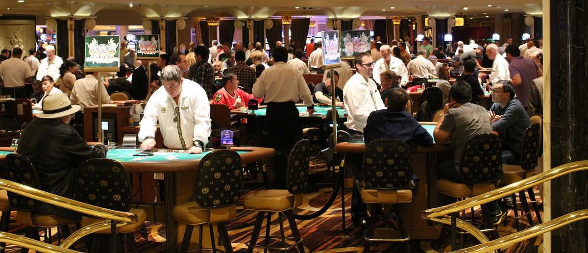 https://pixabay.com/en/gambling-roulette-casino-gamble-587996/