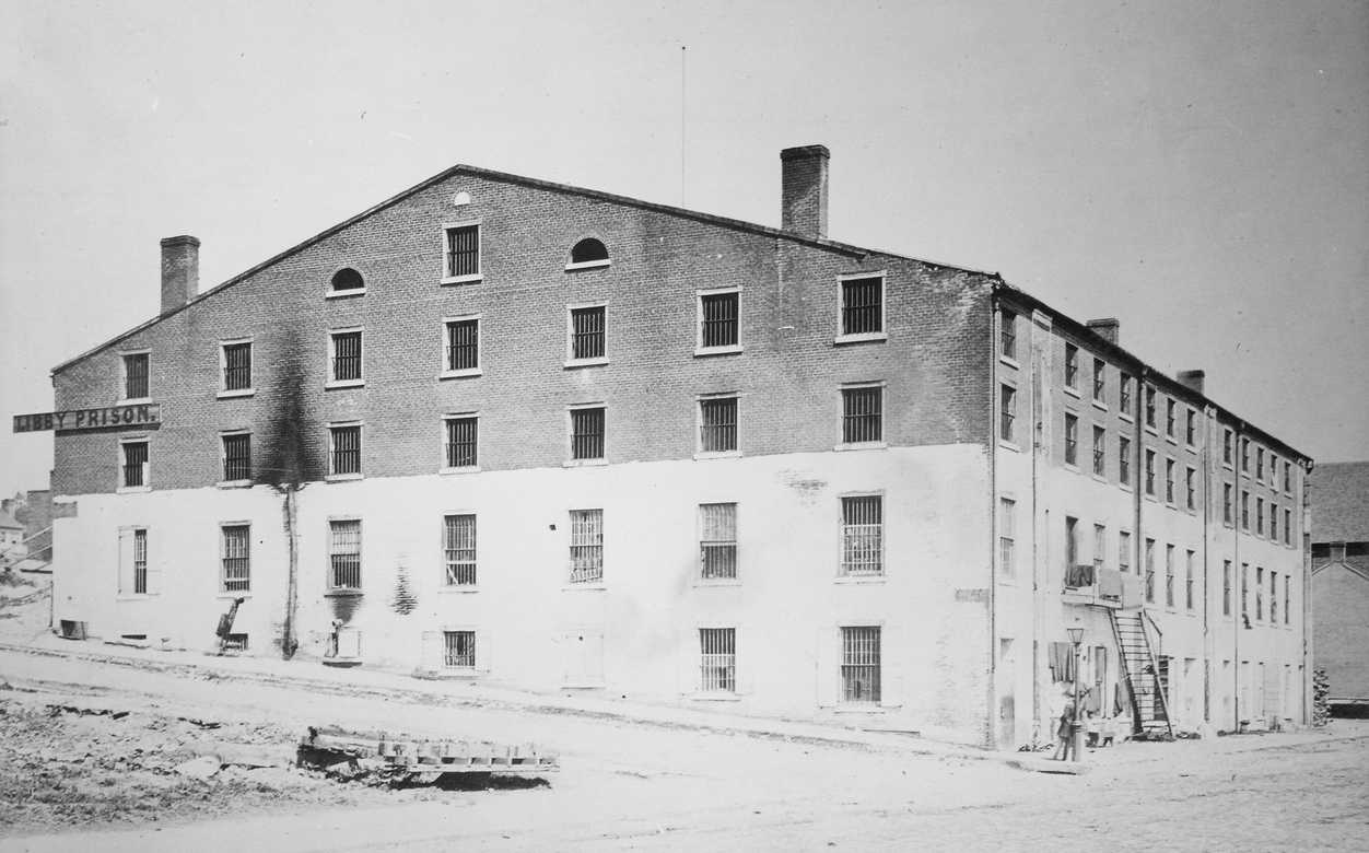 https://commons.wikimedia.org/wiki/File:Libby_Prison,_Richmond,_05-1865_-_NARA_-_533454.tif
