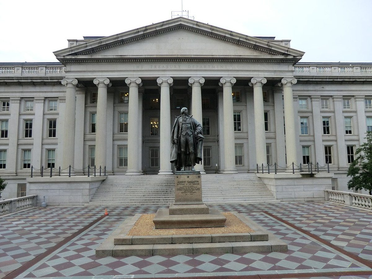 https://commons.wikimedia.org/wiki/File:Albert_Gallatin_statue_-_U.S._Department_of_Treasury_headquarters_-_Washington_D.C._-_2.JPG