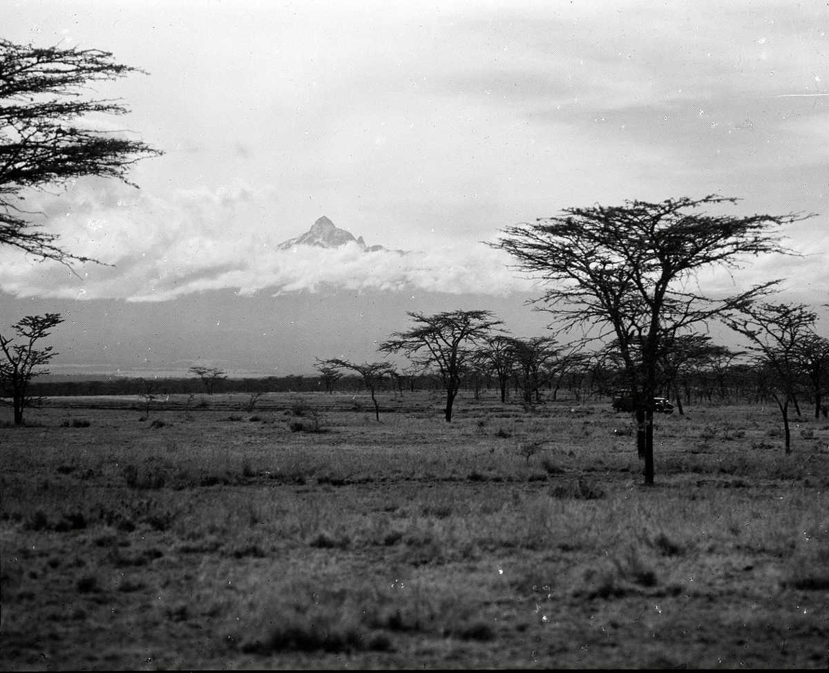 https://commons.wikimedia.org/wiki/File:Mount_Kenya_1936.jpg