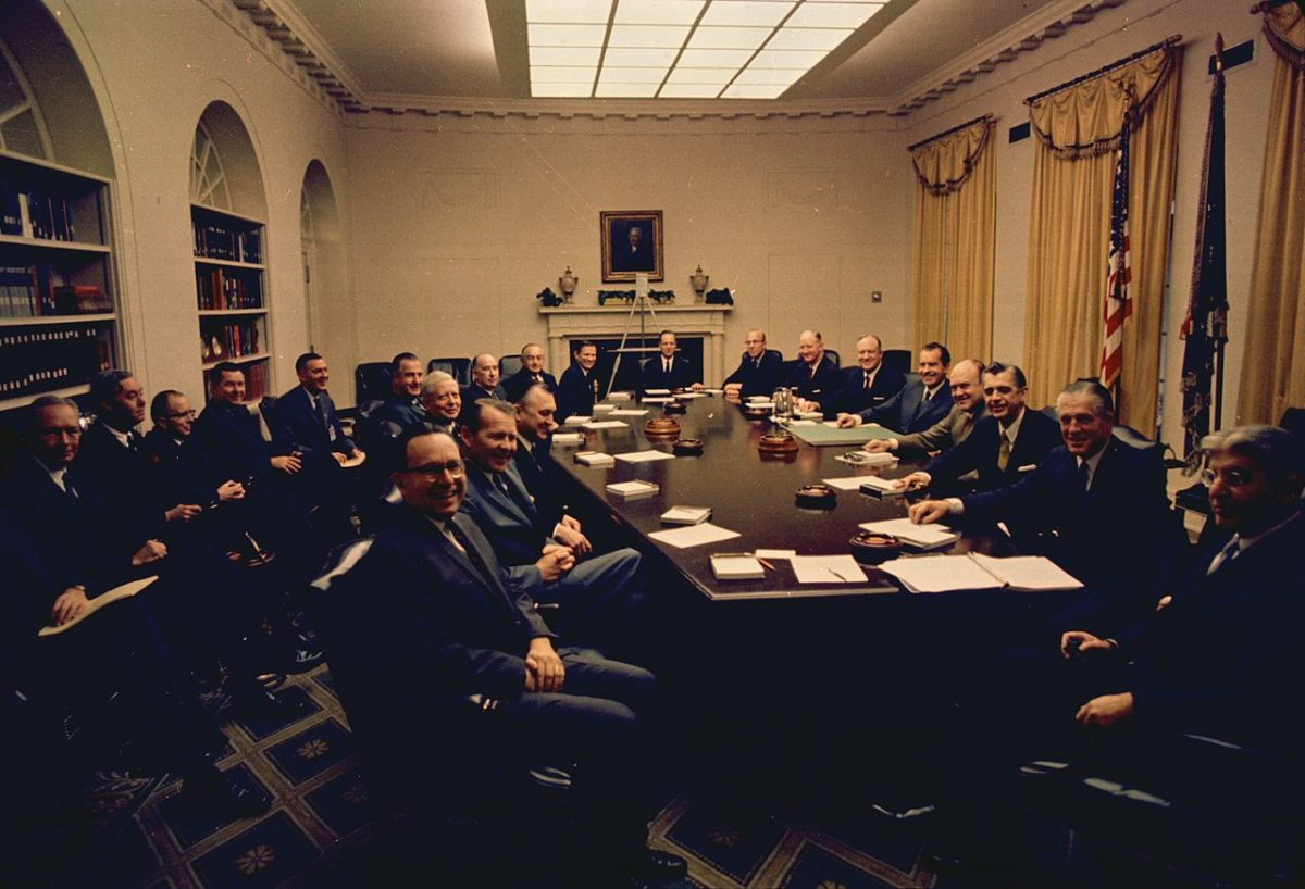 https://commons.wikimedia.org/wiki/File:President_Nixon_with_his_first_term_cabinet.jpg