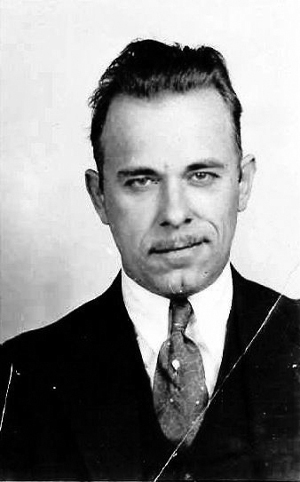https://commons.wikimedia.org/wiki/File:John_Dillinger_full_mug_shot.jpg