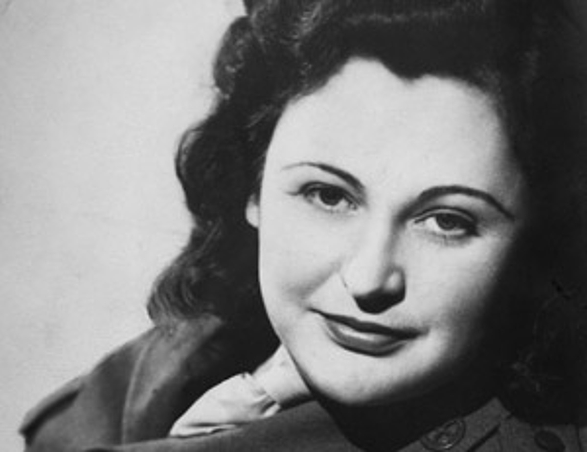 https://commons.wikimedia.org/wiki/File:Nancy_Wake_(1945).jpg