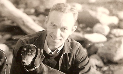 https://commons.wikimedia.org/wiki/File:EB_White_and_his_dog_Minnie.png