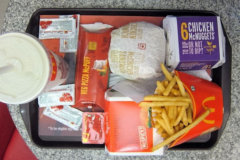https://commons.wikimedia.org/wiki/File:McDonald%27s_meal_in_India.jpg