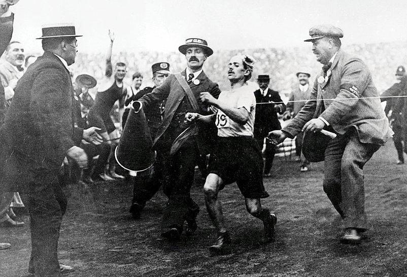 https://commons.wikimedia.org/wiki/File:Dorando_Pietri_1908c.jpg