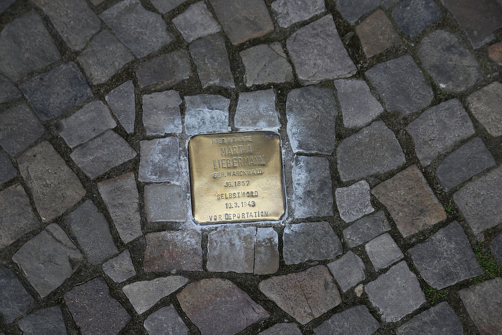 https://commons.wikimedia.org/wiki/File:Stolperstein_of_Frau_Liebermann.JPG
