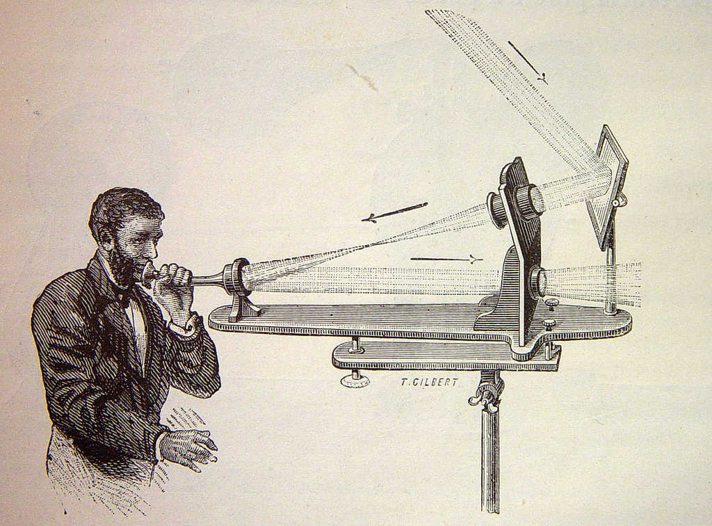 https://en.wikipedia.org/wiki/File:Photophone_transmitter_4074931746_9f996df841_b.jpg
