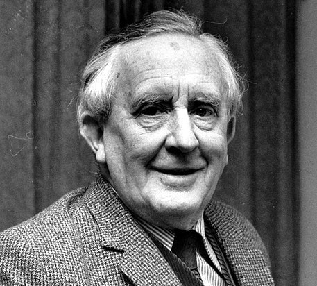 https://commons.wikimedia.org/wiki/File:Tolkien_-_49988790191.jpg