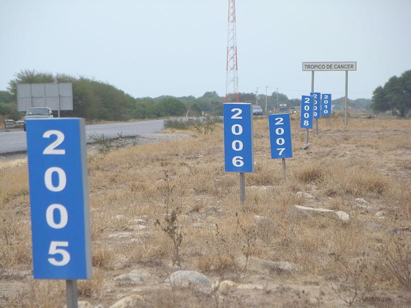 https://commons.wikimedia.org/wiki/File:Tr%C3%B3pico_de_C%C3%A1ncer_en_M%C3%A9xico_-_Carretera_83_(V%C3%ADa_Corta)_Zaragoza-Victoria,_Km_27%2B800.jpg