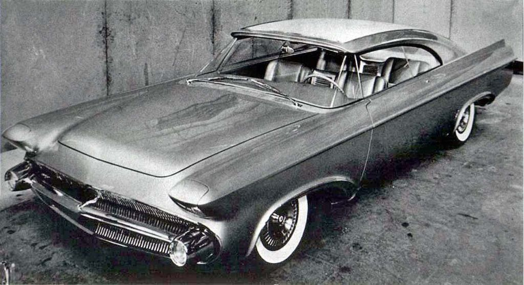 https://en.wikipedia.org/wiki/File:1956_chrysler_norseman_concept.jpg