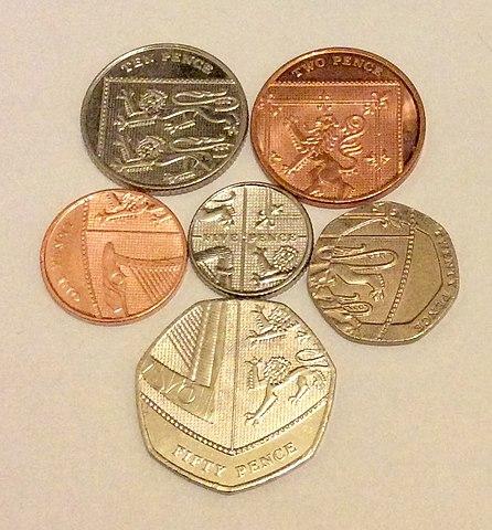 https://commons.wikimedia.org/wiki/File:UK_Coinage_Shield.jpg