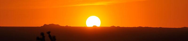 https://commons.wikimedia.org/wiki/File:Anatomy_of_a_Sunset-2.jpg