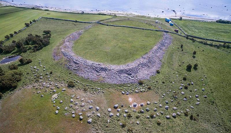 https://commons.wikimedia.org/wiki/File:Aerial_komprimerad.jpg