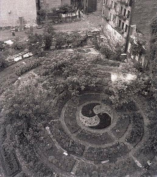 https://en.wikipedia.org/wiki/File:Lower_East_Side_in_Adam_Purple%27s_Garden_1984..jpg