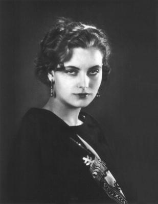 https://commons.wikimedia.org/wiki/File:Greta_Garbo08.jpg