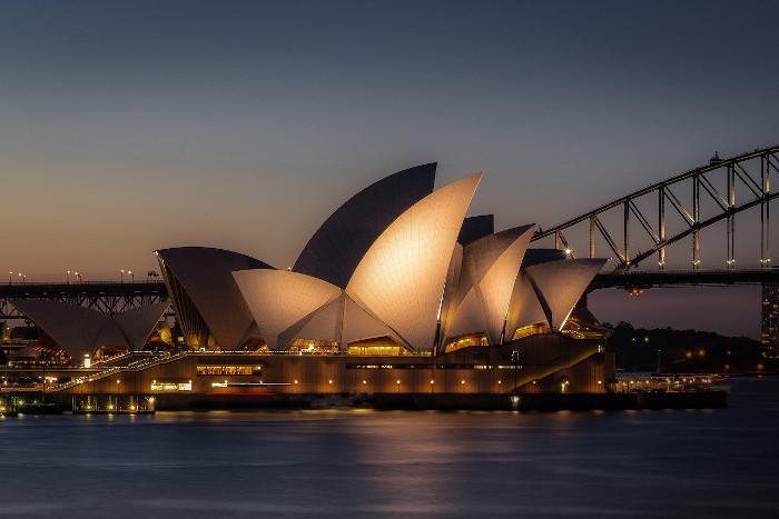 https://pixabay.com/photos/australia-sydney-city-port-4338882/